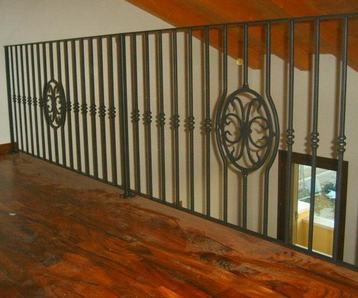 Barandillas de hierro para exterior e interior.