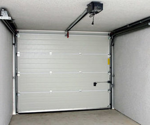 Motorización de puertas de garaje y peatonales en Madrid