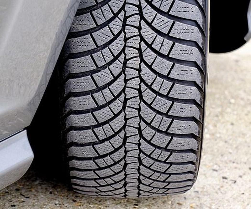 Consejos para comprobar el estado de los neumáticos