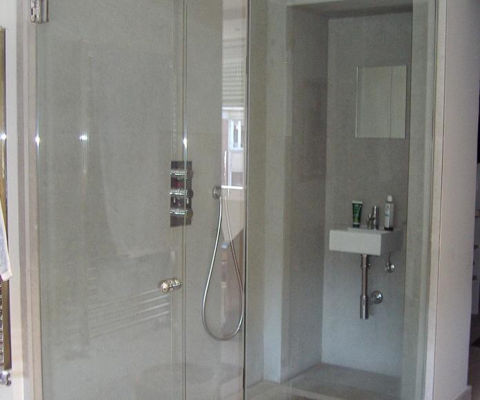 Mampara de baño a medida Madrid fabricada por CRISTALERA MADRILEÑA