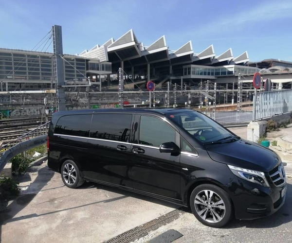 Alquiler de coches con conductor en Getafe | Candecar
