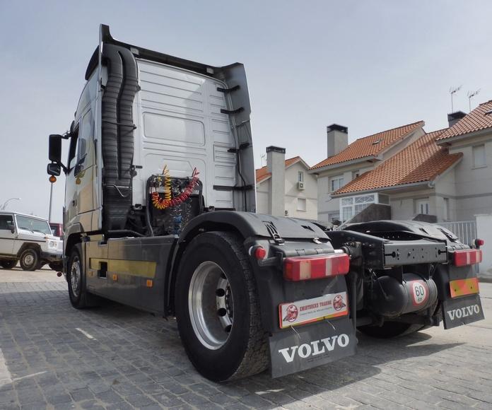 VOLVO FH13 500 -- OPORTUNIDAD : Vehículos industriales de Emirtrucks Trading