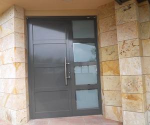 Puerta de entrada torre