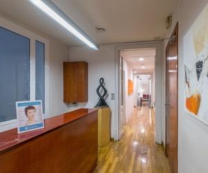 Galería de Médicos especialistas Dermatología y Venereología en Barcelona   Centro Dermatológico Dr. Javier Bassas
