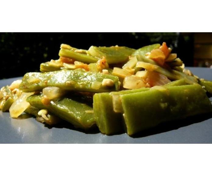 Las Verduras : Instalaciones y Servicios  de Restaurante - Hotel  de Carretera El Oasis**