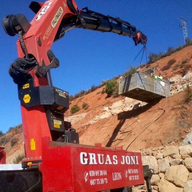 Cubos de hormigón: Servicios de Grúas Joni