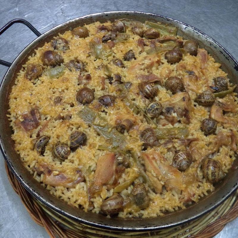 arroz de conejo y caracoles