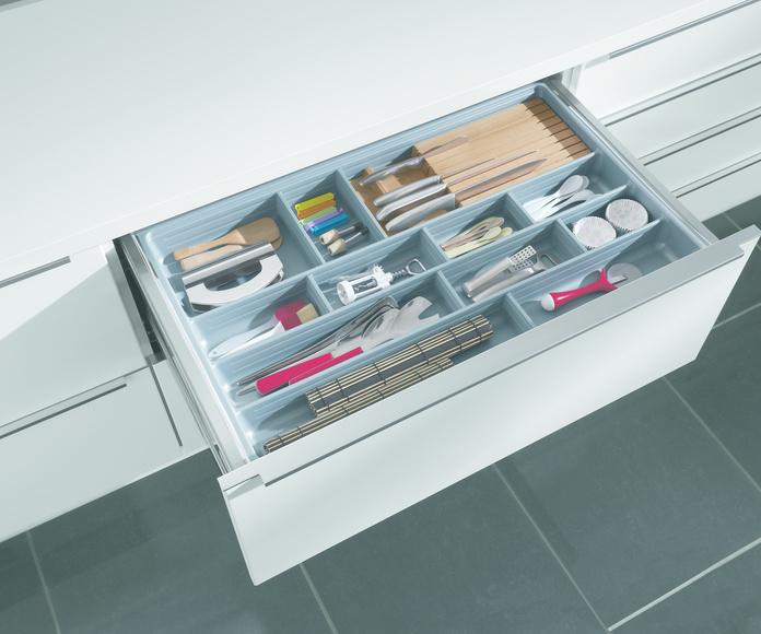 7A . Viste tu mueble .Accesorios - Cuberteros: PROYECTOS REALIZADOS de Diseño Cocinas MC