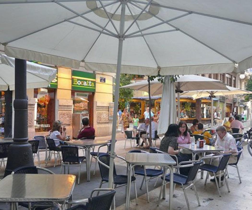 Ahora las terrazas de los bares se usan durante todo el año