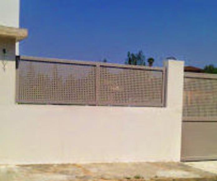 A232 Puertas y Valla de chapa galvanizada con troqueles cuadrados y lacada al horno