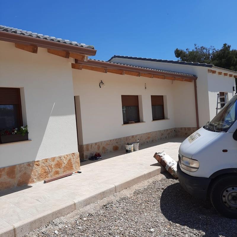 Canalones y bajantes en Teruel