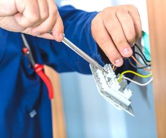 Reparación y mantenimiento de persianas domesticas e industriales: Servicios de JK Serveis