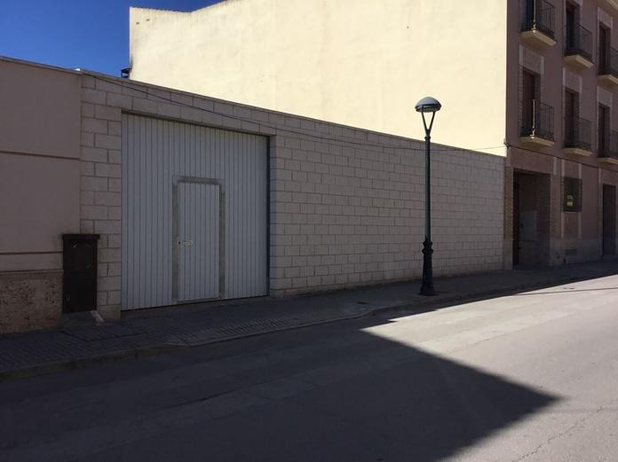 Solar cerrado Pablo Iglesias: Inmuebles Urbanos de ANTONIO ARAGONÉS DÍAZ PAVÓN