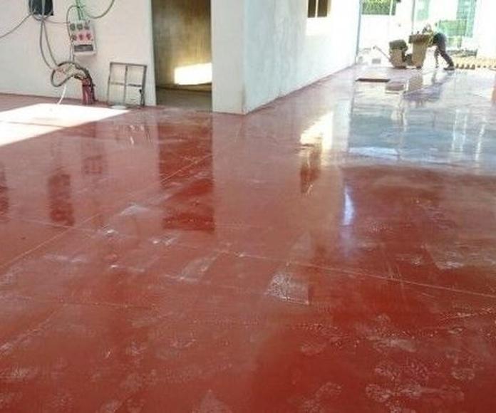Aplicación de resina epoxi: Servicios de Pavimentos Cantabria