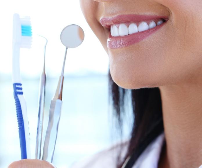 ¿Qué es la peridoncia?: Tratamientos de Hospital Dental de Madrid. Clínicas en San Blas y Alcorcón