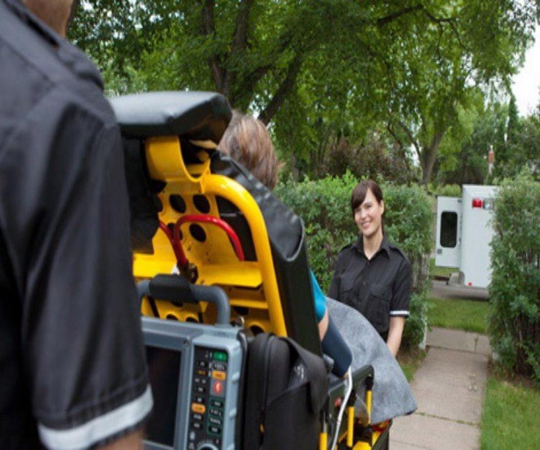 Ambulancias para residencias y clínicas privadas