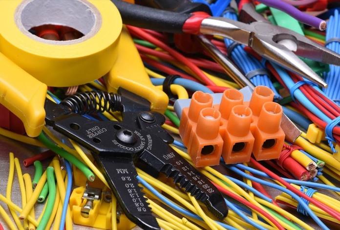 Material eléctrico: Productos de Big Mat Pepe Mandila