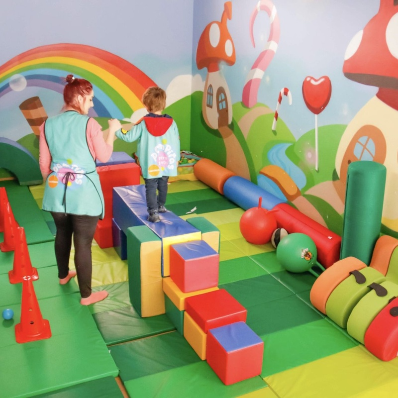 Motricidad gruesa: Centro Infantil Pompitas de Centro Infantil Pompitas