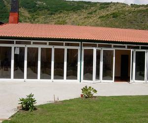 Talleres Cueva, puertas y ventanas de aluminio en Bobes, Siero