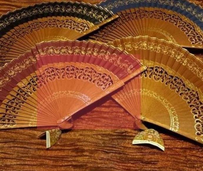 Abanicos en madera natural: Productos de Bellostas