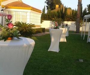 Alquiler de sillas y mesas para fiestas en Cádiz