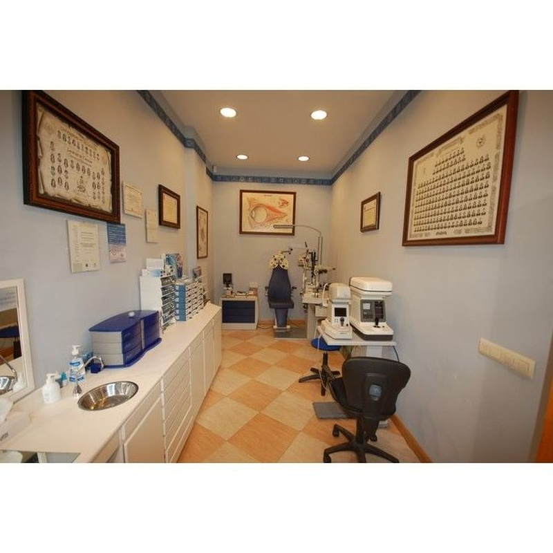 Nuestros servicios: Productos y servicios de Óptica Santamaría