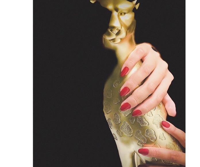 Manicura completa + esmaltado permanente Rojo Carmesí
