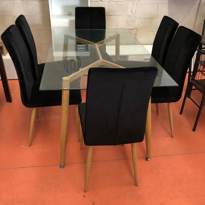 Mesa de cristal con 6 sillas negras: Productos de Remar Castellón