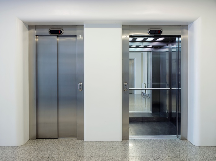 Instalación de ascensores: Servicios de Construcciones Mira & Armero S.L
