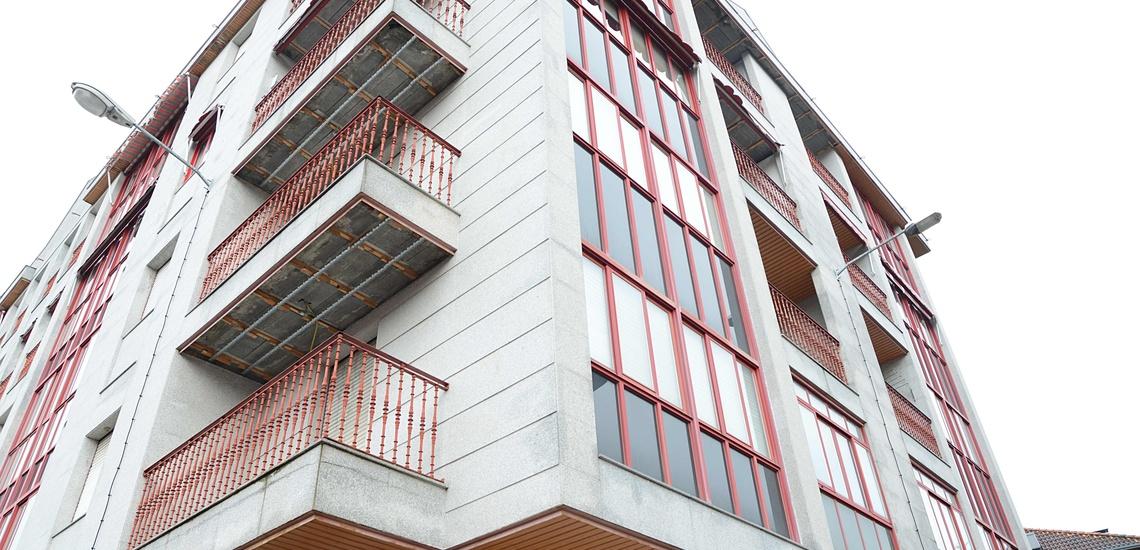 Rehabilitación de fachadas y reparación de tejados en Ourense