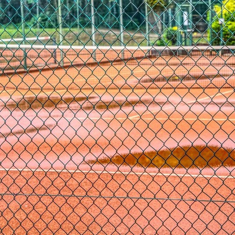 Cerramientos de canchas deportivas: Servicios de Khalid