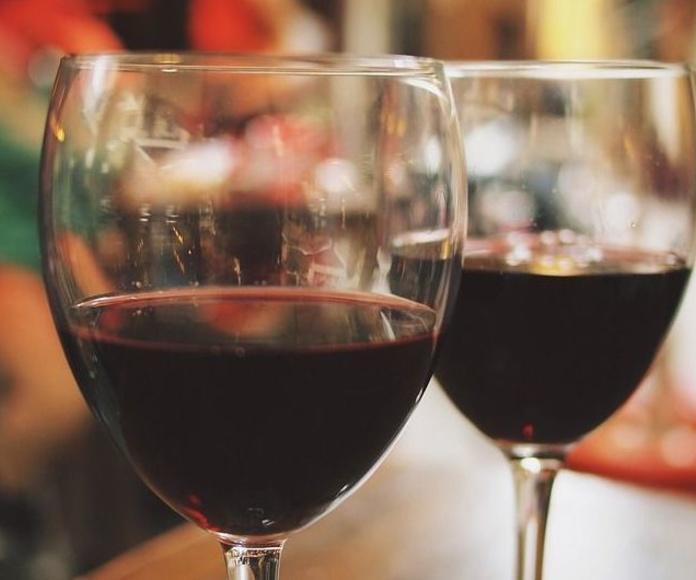 Vino y cava: Productos de Bacallaneria Cal Pagès