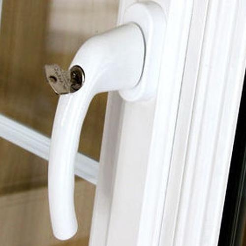 Montaje  de puertas de aluminio
