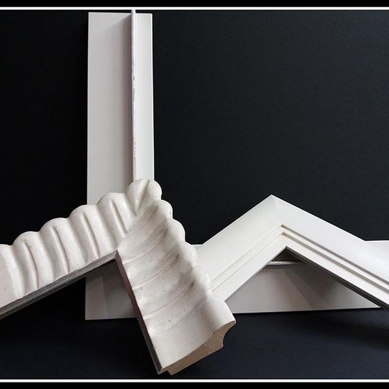 Marcos y molduras clásicas y modernas: Servicios de Forma 88 S.L.