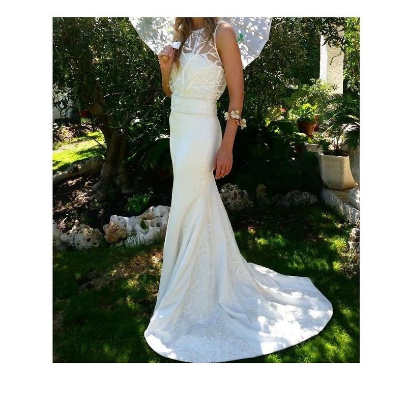 Vestidos de novia: Servicios de Puntadas Luna