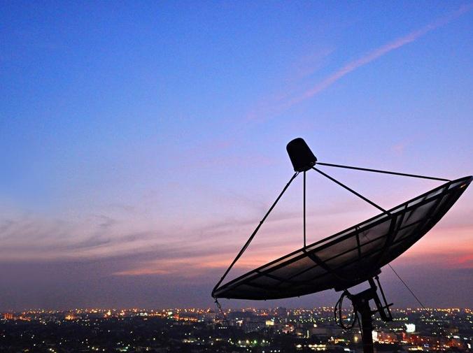 Orígenes de los satélites de telecomunicaciones