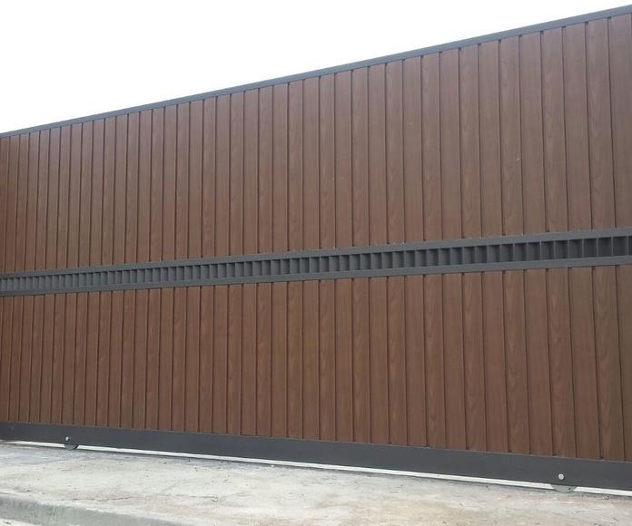 Puerta corredera imitación madera