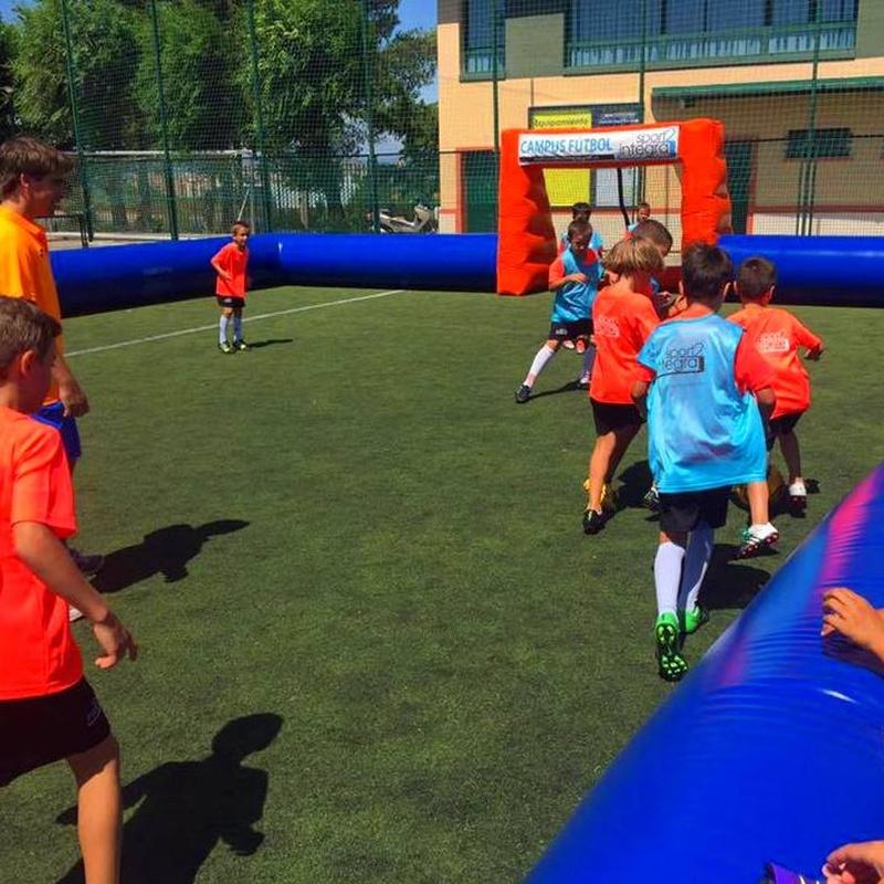 Castillo hinchable perimetro de futbol: Catálogo de Hinchables Happy Jump