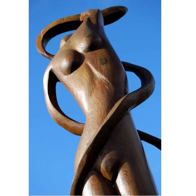 La talla de la madera en la escultura