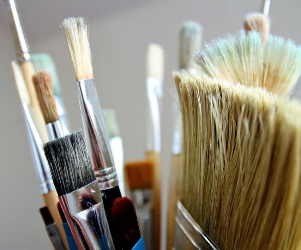 Cómo limpiar brochas y rodillos después de pintar