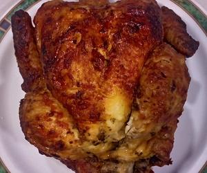 Pollos asados y comida preparada