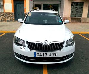 Servicio de taxi 24 horas en Linares