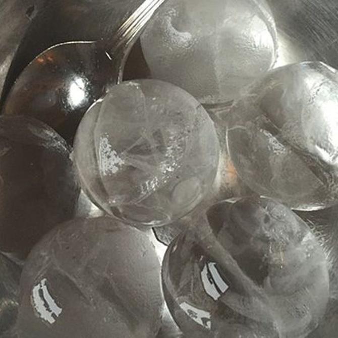 ¿Sabes cómo surgieron los cubitos de hielo?
