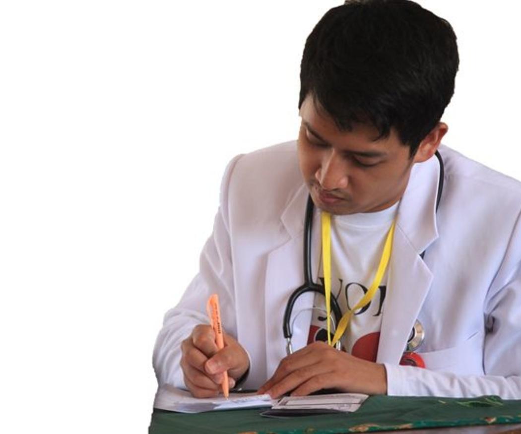 ¿Quién paga el sueldo del empleado durante la baja médica?