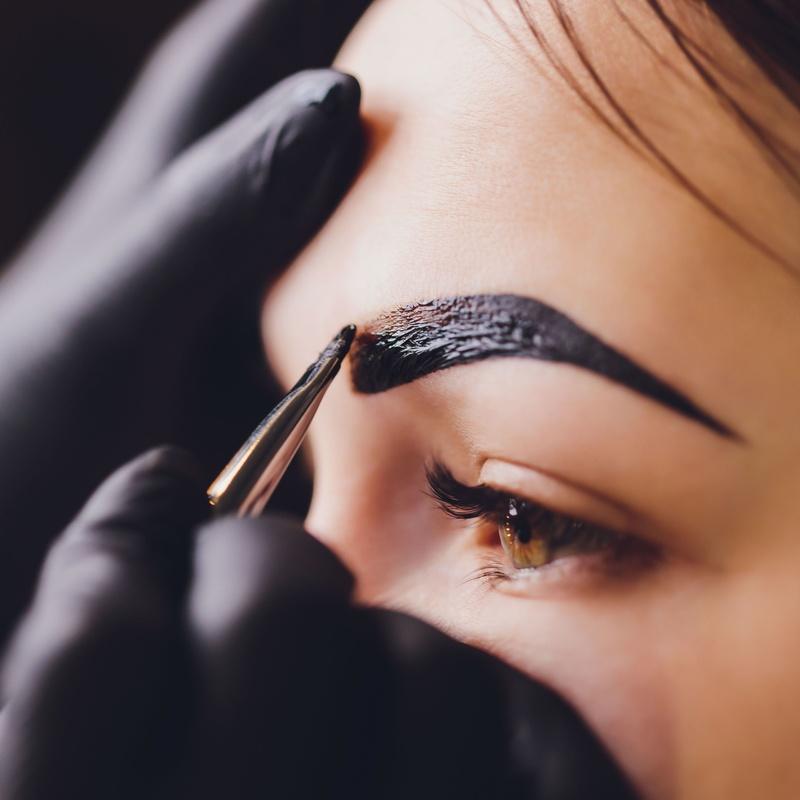 Curso de Diseño de cejas y Depilación con hilo: Servicios de Bodybrite Majadahonda
