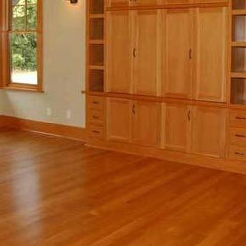 Suelos y muebles de madera