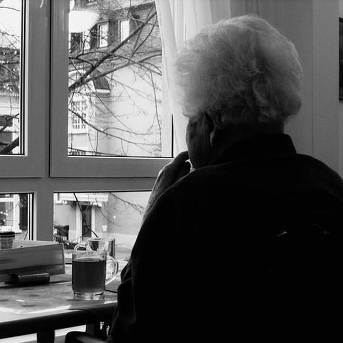 Cuidados básicos que requieren las personas mayores