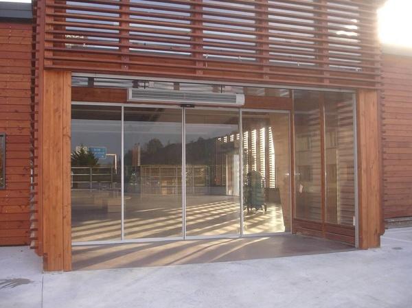 Puertas automaticas correderas cristal en Navarra