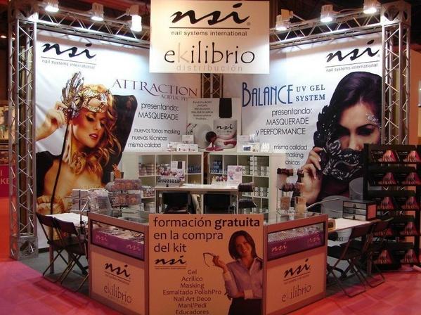 Productos de uñas en el centro de Madrid de la marca NSI