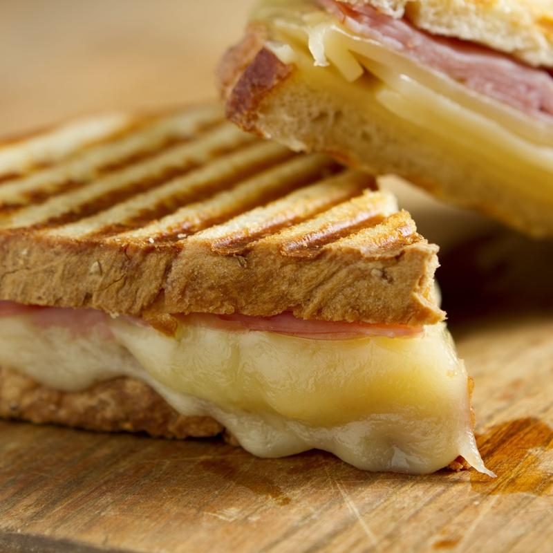 Sándwich Mixto: Ofrecemos de Cafetería la Bernarda